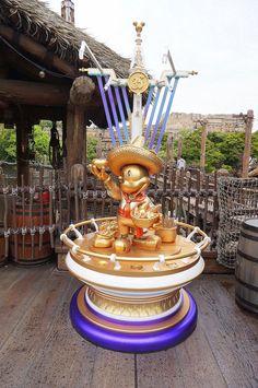 Disneysea Tokyo, Lost River, Tokyo Disneyland, Statues, Mickey Mouse, Japan, Park, Travel, Beautiful