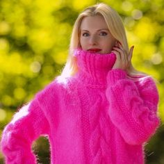 SuperTanya online boutique for hand knitted sweaters and other hand made knitwear crafted from mohair angora cashmere alpaca and other premium materials Mohair Yarn, Mohair Sweater, Hand Knitted Sweaters, Knitted Fabric, Gros Pull Long, Online Boutiques, Hand Knitting, Knitwear, Cashmere