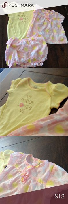 "Carter's 3pc Set ""My Daddy Loves Me"" Carter's 3 pc pink and yellow flower set includes a ""My Daddy Loves Me"" bodysuit, pink and yellow floral blouse and matching ruffled bottoms. Set in excellent condition ! Carter's Matching Sets"