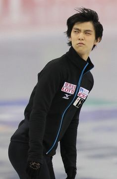 Yuzu's reaction when the announcer says Yuzuru Hanyu from China. I mean, how do you not know?