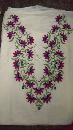 30 Trendy Embroidery Designs for neck to inspire you - Wedandbeyond Embroidery On Kurtis, Kurti Embroidery Design, Hand Embroidery Videos, Hand Embroidery Flowers, Hand Work Embroidery, Flower Embroidery Designs, Hand Embroidery Stitches, Embroidery Patterns, Machine Embroidery