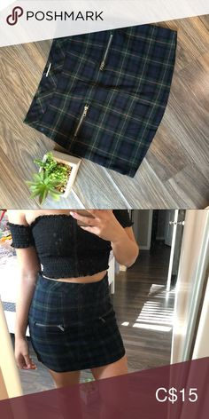 school girl skirt Good condition, very cute for fall Ardene Skirts Mini Plus Fashion, Fashion Tips, Fashion Trends, Leather Skirt, High Waisted Skirt, Mini Skirts, School, Fall, Cute