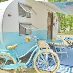 Gidget the vintage camper - 1956 Century trailer made in Detroit Vintage Campers Trailers, Retro Campers, Vintage Caravans, Camper Trailers, Happy Campers, Vintage Motorhome, Retro Caravan, Airstream Campers, Caravan Ideas