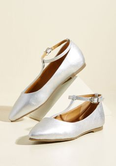 Begin your vacay the right way - by sporting these silver flats for a strut through town! Vegan faux leather combines with the pointed toes of these tantalizing T-straps, forming a ModCloth-exclusive look that's certain to turn some heads as you explore the sights in style.