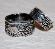 His and Hers Wedding Rings set Tree Bark bands eco-friendly silver BLACK PAIR…