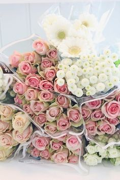 You can`t use up CREATIVITY. Shabby Flowers, Romantic Flowers, Fresh Flowers, Pretty Flowers, Vibeke Design, Rose Cottage, Floral Fashion, Beautiful Roses, Pink Roses