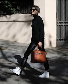 Done for today ✔ & coming back home loving my new sneakers x Vogue Fashion, Daily Fashion, Boho Fashion, Autumn Fashion, Fashion 2016, Fashion Hair, Fasion, Fashion Styles, Street Fashion