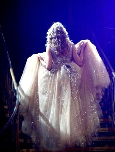 """Taylor swift performing """"Love Story"""" at the Speak Now Tour"""