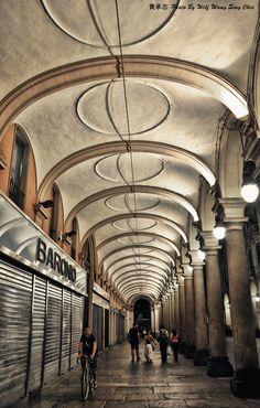 Turin portici di Via Po