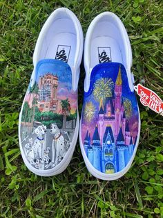 101 Dalmations Disney World inspired Custom Painted Vans - Painted shoes - Disney Painted Shoes, Painted Vans, Custom Painted Shoes, Hand Painted Shoes, Disney Vans, Disney Shoes, Disney Clothes, Vans Shoes Fashion, Girls Vans Shoes