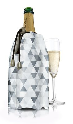 Lovely champagne ice jacket from Vacu Vin.