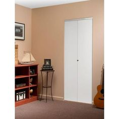 Smooth Flush Solid Core Primed MDF Interior Closet Bi Fold Door With Chrome  Trim