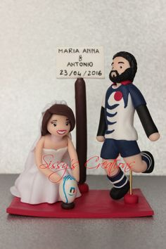 Cake Topper e Bomboniere personalizzati per ogni evento ( matrimonio, battesimo, laurea...) Per qualsiasi informazione, non esitate a contattarmi: katiuzzola86@hotmail.it Mi trovate anche su facebook: Sissy's creations. Spedizioni in tutta Italia. Silvia  Cake Topper, personalized favors for any event (wedding, christening, graduation ..) For any information, please feel free to contact me:katiuzzola86@hotmail.it  I can find us on facebook: Sissy's creations. Shipping throughout Italy…