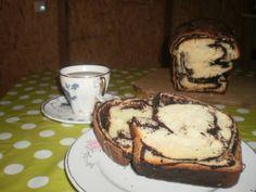 Cozonac cu ciocolata, marmorat   Rețete - Laura Laurențiu Camembert Cheese, Blond