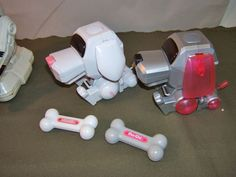 A robotic dog | 78 Things That Were On Every '00s Girl's Christmas List