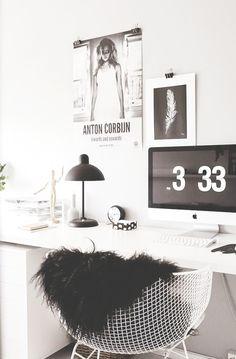 decoration details, decoração, detalher, fur, pelos, cadeira, chair, frame, photo, quadro, foto, light, luz,  imac, hour, horas, drawing desenho, work, trabaho