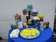 Minions candy table