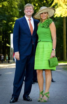 Newmyroyals & Hollywood Fashion: King Willem- Alexander and Queen Maxima attend presentation Dreambook Yellow Fashion, Royal Fashion, Estilo Real, Crown Princess Victoria, Queen Maxima, Hollywood Fashion, Love Her Style, Nice Dresses, Dress Outfits