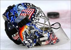 Masque de Rick DiPietro, Islanders de New York. Hockey News, Women's Hockey, Hockey Stuff, Goalie Gear, Goalie Mask, Helmet Design, Mask Design, Iwo Jima, Masked Man