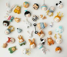 Loving... these little ornaments... that I would kill to have...