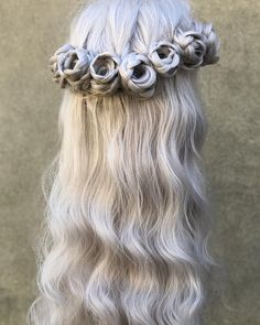 Braided Rose Hairstyle Transforms Ordinary Locks Into a Beautiful Blooming Updo on 9GAG