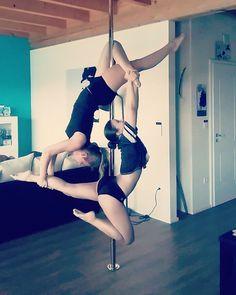 #teamwork @mellsinchen #poledance #polesport #xpole #friends #poledouble #doublepole #friendshipgoals #poledanceart #flying #strength #stronggirl #befit #passionforpoledance #upartists #strongnotskinny #traintogether #double #calisthenics #bodyweighttraining #dowhatyoulove #blondieandbrownie #oneteamonedream #fightforfit #bodyshape #instapole #lovesport #lovepole #pd by carolina_polerina