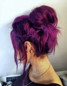 17 Stylish Hair Color Designs: Purple Hair Ideas to Try - Couleur Cheveux 01 Hairstyles Haircuts, Pretty Hairstyles, Updo Hairstyle, Hairstyle Ideas, Latest Hairstyles, Mermaid Hairstyles, Asian Hairstyles, Popular Hairstyles, Summer Hairstyles