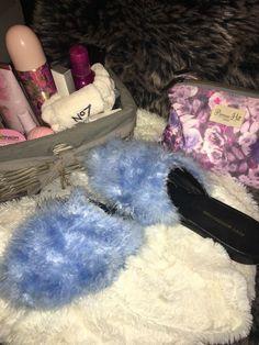 Fur Sandals Women's Shoes Slippers Fluffy Flat Flip Flops Slip On Sliders Size 6 Flats, Sandals, Ugg Boots, Shag Rug, Uggs, Flip Flops, Slippers, Slip On, Fur