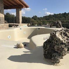 Natural Swimming Pools, Swimming Pools Backyard, Pool Spa, Swimming Pool Designs, Beach Entry Pool, Backyard Beach, Beach Pool, Small Pool Design, Spa Design
