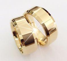 5 Stunning Wedding Ring Trends in 2020 Stacked Wedding Rings, Wedding Rings For Women, Gold Diamond Wedding Band, Wedding Ring Bands, Neil Lane Engagement, Brautring Sets, Wedding Finger, Wedding Ring Designs, Pear Shaped Diamond