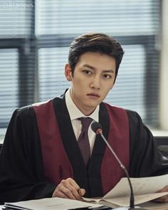 "[Drama] Even more behind-scenes photos of Ji Chang Wook in ""Suspicious Partner"""