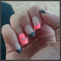 Nails francesa gris y neón