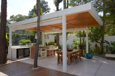 Kitchen, Contemporary Pergola With Modern Outdoor Kitchen Design Plus Wooden Dining Table And Chairs: Feel Bored With The Look of Your Home . Modern Outdoor Kitchen, Patio Kitchen, Kitchen Contemporary, Outdoor Kitchens, Outdoor Rooms, Outdoor Dining, Outdoor Decor, Dining Area, Dining Table