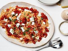pasta with sun dried tomatoes and goat cheese