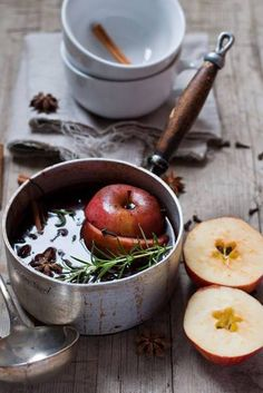 Glühwein ~ my mother is Austrian and she always made this for us after skiing :)) Café Chocolate, Pot Pourri, Mince Pies, Smell Good, Food Styling, Food Inspiration, Autumn Inspiration, The Best, Food Photography