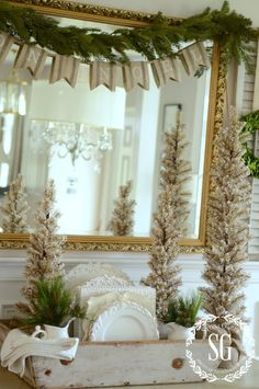 Outstanding french country decor ideas are offered on our internet site. Take a look and you wont be sorry you did. French Christmas Decor, Country Christmas Decorations, French Decor, French Country Decorating, Christmas Home, White Christmas, Christmas Ideas, Xmas, Vintage Christmas