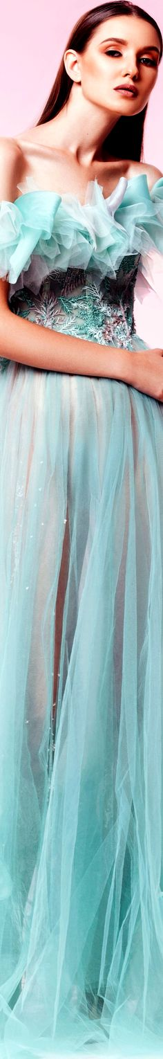 Sara Mrad The Nature's Grace Collection Fall Winter 2017 Haute Couture Gowns, Couture Fashion, Classy People, Bleu Turquoise, Couture Collection, Beautiful Gowns, Playing Dress Up, Her Style, Cool Outfits