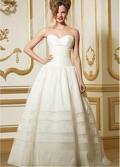 Gorgeous Taffeta Ball Gown Sweetheart Neckline Dropped Waistline Wedding Dress