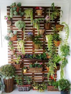 15+ Balcones Decorados con Plantadores con Mucho Estilo para Inspirarse