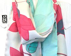 Large Silk Scarf Hand Painted Pink Kimono от SilkScarvesTakuyo