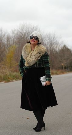 Velvet Party Skirt ⋆ chic everywhere Velvet Midi Skirt, Spring Fashion, Winter Fashion, Tartan Dress, Party Skirt, Fur Collars, Dress Skirt, Winter Jackets, Street Style