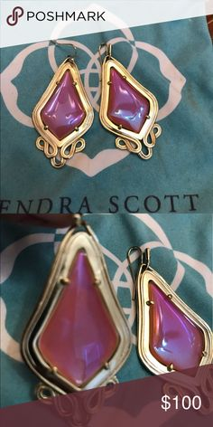 Kendra Scott Keira Iridescent Tangerine earrings Vintage comes with dust bag. look at second pic there is a spot inside Kendra Scott Jewelry Earrings