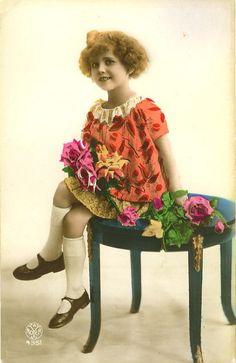 1920's Adorable Little GIRL FASHION POSE children tinted noyer photo postcard