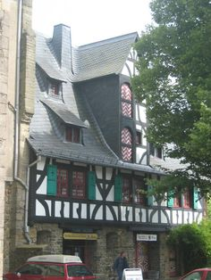 Solingen, Germany--where amazing knives (and tweezers) are made!
