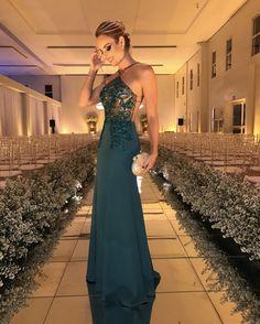 Layla Casamenteira Look Patrícia Bonaldi verde com renda bordada