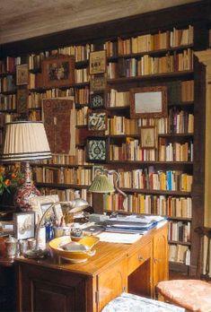 Umberto Pasti's Milan Residence. #books #book shelves