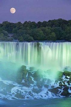 Cataratas del Niagara, anocheciendo
