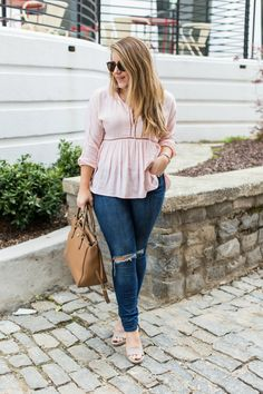 Spring date night outfit idea - click through for more on this easy and comfortable spring outfit.