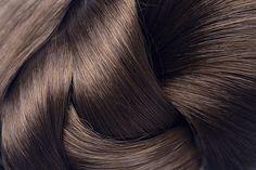 Τι θα γίνει; Θα μείνει καμία τρίχα στο κεφάλι μου;Γιατί χάνω τόσα πολλά μαλλιά;Μην πανικοβάλεσαι, υπάρχει λύση!