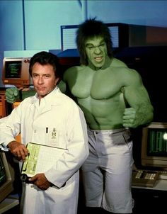 """When I was a child my favorite super hero wasn't Superman or Batman. My favorite superhero was HULK! On """"The Incredible Hulk"""" TV show from the late Bruce Banner would get into a c… Banner Hulk, Bruce Banner, Dr Banner, Marvel Comics, Marvel Vs, Captain Marvel, Le Clan Des Siciliens, Incredible Hulk Tv, Mejores Series Tv"""